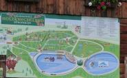 Infotafeln mit Plan des Holzknechtlandes